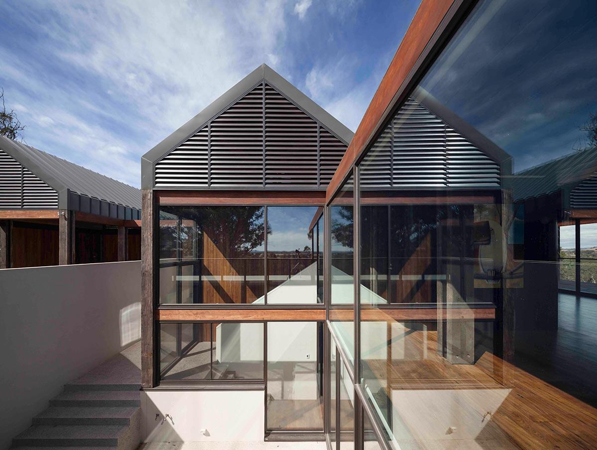 tallarook-house-external-camson